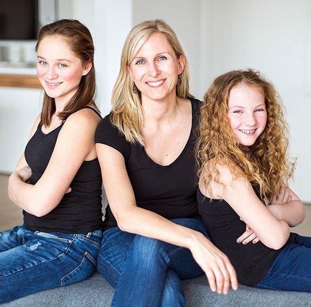Familieportræt - Portrætfoto af mor og 2 døtre
